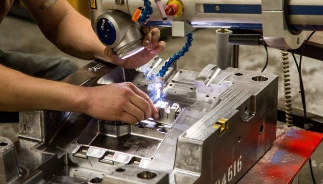 How to Outsource Manufacturing in Ottawa for Your Business